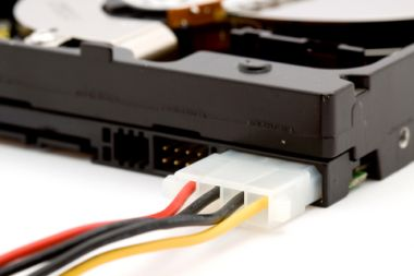 SATA molex power connector