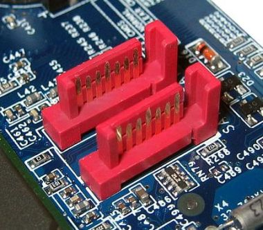sata connectors on motherboard